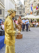 Public live statues in Bucharest — Stock Photo