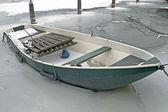 Barco a remos no gelo — Foto Stock