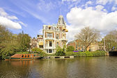 Medieval house in Amsterdam the Netherlands — Stock Photo