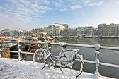 Snowy Amsterdam at the Amstel in the Netherlands — Stockfoto