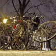 Bikes by night in Amsterdam the Netherlands - Foto de Stock