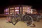 Rowery w centrum amsterdamu w holandii — Zdjęcie stockowe