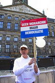 AMSTERDAM, NETHERLANDS - APRIL 30: Man is demonstrating on the d — Stock Photo