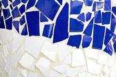 Mur carrelé bleu et blanc — Photo