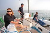 Navegando en el ijsselmeer en los países bajos al atardecer — Foto de Stock