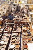 Tanners working leather in the old tannery of Fes, Morocco — Stock Photo
