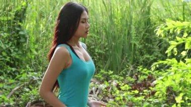 Healthy woman doing kungfu, taiji or taichi — Stock Video