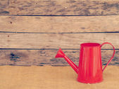 Red watering can retro vintage style — Foto Stock