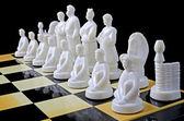 шахматы, изолированные над черный — Стоковое фото