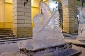 Eis-skulpturen in der mitte von lemberg — Stockfoto
