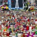 Постер, плакат: Candles in honor of those killed in the Maidan