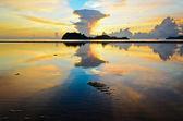 Sunrise at Hat Sai Ri beach in Chumphon — Stock Photo