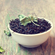 Black tea with mint leaves — Stock Photo