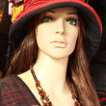 Одноместный изолированных пластиковый манекен - женский — Стоковое фото