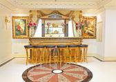 Luxury victorian cafe bar — Stock Photo