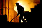 Hard work in a foundry, melting iron — Foto Stock