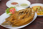 Fried snapper with chili sauce on the plate — Foto Stock