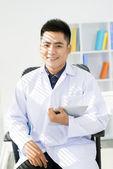 Medico fiducioso — Foto Stock