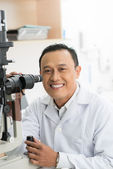 Expert in optics — Stock Photo