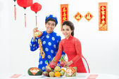 Vietnamese couple at traditional festival — Stock Photo