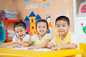 面白い顔のアジアの子供 — ストック写真