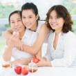 Pretty asian women — Stock Photo