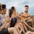 Guitar singing — Stock Photo