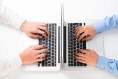 Computing op kantoor — Stockfoto