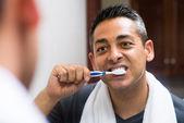 Diş fırçalama — Stok fotoğraf