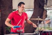 Joven baterista — Foto de Stock