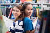 Studenti adolescenti — Foto Stock
