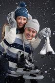 Coppia con pattini figura — Foto Stock