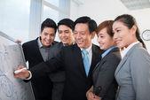 Manager explaining business strategy — Stock Photo