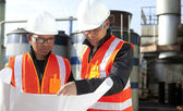 Two engineer on location site disscution — Stock Photo