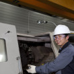 Mechanical technician of cnc machine — Stock Photo