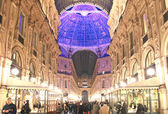 Vittorio Emanuele II Gallery during Christmas Holidays in Milano — Stock Photo