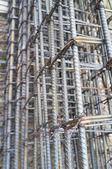 Voorraad toepassing rebar op bouwprodukten — Stockfoto