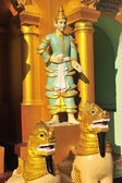 Statue in Shwedagon Paya, Myanmar — Stockfoto