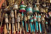 Ruedas de oración nepalesas de swayambhunath stupa en katmandú, nepa — Foto de Stock