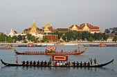 BANGKOK, THAILAND-MAY 5: Decorated barge parades at the Chao Phr — Stock Photo