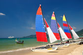 Sail boat on patong beach, phuket, thailand — Stock Photo