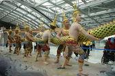 Standbeeld in suvanabhumi luchthaven van thailand — Stockfoto