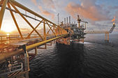 SONGKLA - OCTOBER 16: offshore rig in gulf of Thailand from Song — Stock Photo