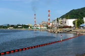 Oil refinery factory near sea, Nakornsrithammarad, Thailand. — Stock Photo