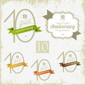 10 yıl yıldönümü imzalar ve kartları vektör tasarımı — Stok Vektör