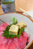 Tekka Don, Raw Maguro Tuna Fish With Dried Seaweed Topped On Sushi Rice. — Stock Photo