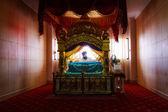 Bangkok - March 17 : Sikh pilgrims sat praying in room at Gurdwara Siri Guru Singh Sabha on March 17, 2013 in Bangkok, Thailand. Worldwide there are about 25 million Sikhs. — Stock Photo