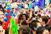 Crowd of celebrating the traditional Songkran New Year Festival. — Stock Photo