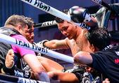 Koç öğretmek tay dövüş aşırı 2013 yılında tayland payakdam mor.phuvananaipolkonkhonkaen. — Stok fotoğraf