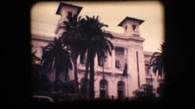 Vintage 8mm. Old casino and palm trees — Stock Video